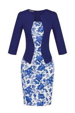 Бело-синее платье-футляр с прелестным цветочным узором и синим жакетом-обманкой
