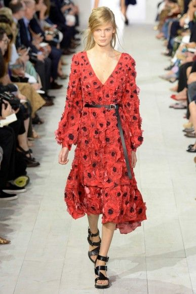 Minimal and androgynous, see our favorites from the Michael Kors #SS16 collection.