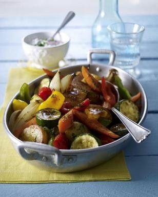 Das Rezept für Geschmortes Ofengemüse mit Kräuterquark und weitere kostenlose Rezepte auf LECKER.de