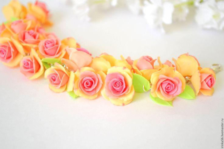 """Купить Браслет """"Персиковые розы"""" - бежевый, персиковый, розовый, зеленый, браслет на руку, подарок"""
