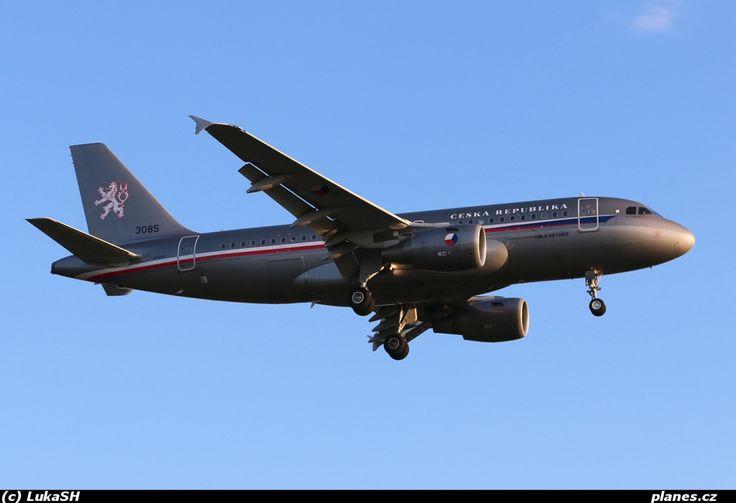 3085 - A319-115(CJ) - Praha - Kbely (LKKB) - planes.cz