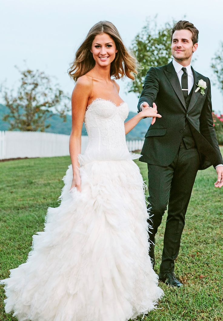 Get The Lowdown On 2012s Biggest Celeb Wedding Dresses And Bras They Should Be