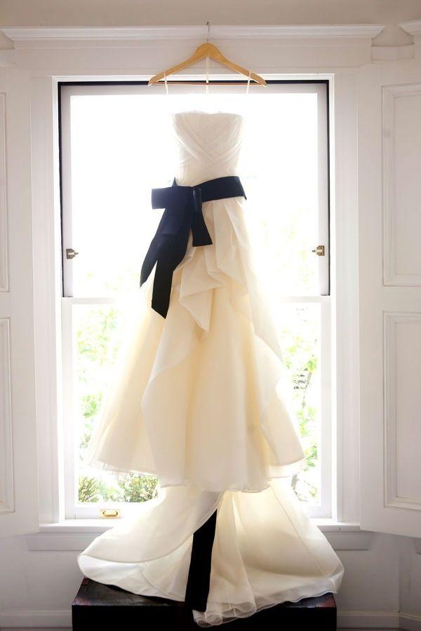 フォトジェニック!記念に残るウェディングドレスの写真の撮り方まとめ♡にて紹介している画像