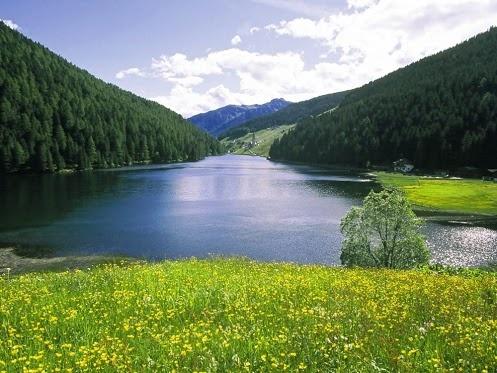 Val Sarentino (Alto Adige) , lago di Valdurna.