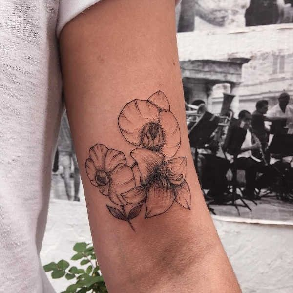 Tatuaż Lilia Znaczenie Historia 55 Zdjęć Pomysł Na