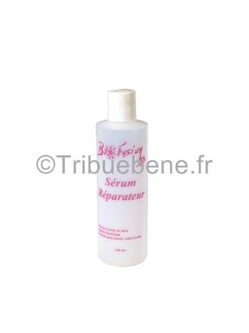 Le sérum réparateur de Biofusium 33 est une formule non grasse concentrée en silicones qui lisse instantanément les cheveux, leur donne de l'éclat, du brillant et les rend soyeux au toucher. Le sérum élimine les frisures, revitalise les cheveux secs et abîmés, répare les pointes, hydrate et assouplit. Convient à tous les types de cheveux.  En vente sur www.tribuebene.fr