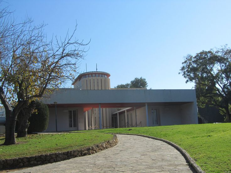 https://flic.kr/p/FmTiqY | Weizmann House | The Weizmann House was the home of the first President of Israel, Chaim Weizmann, and First Lady, Vera Weizmann in Rehovot, Israel.  And now it is the part of the Weizmann Institute of Science.