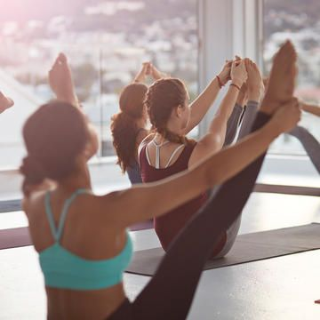 Sculpt your entire body with this Pilates-barre workout routine. Build muscle and get toned with this amazing workout that you can do at home. This workout will tighten and tone your body to get you ready for bikini season!