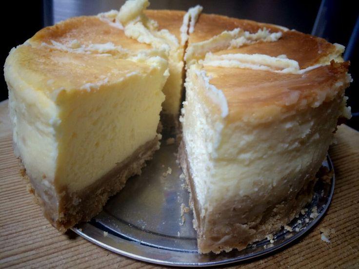 以前パリで食べた、チーズケーキの味が忘れられなくて、再現しました!特別な日に特別な人に作ってほしい一品です(*´ω`*)
