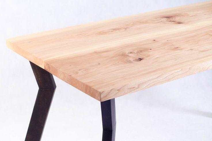 Wiązowy stolik