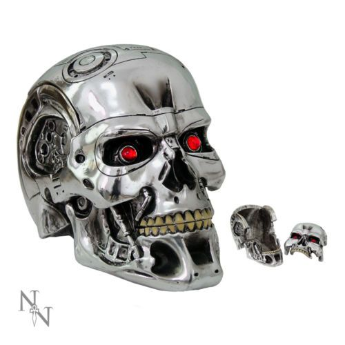 Nemesis-Now-T-800-Terminator-2-Skull-Head-Box-Piece-Judgement-Day-Ornament-18cm