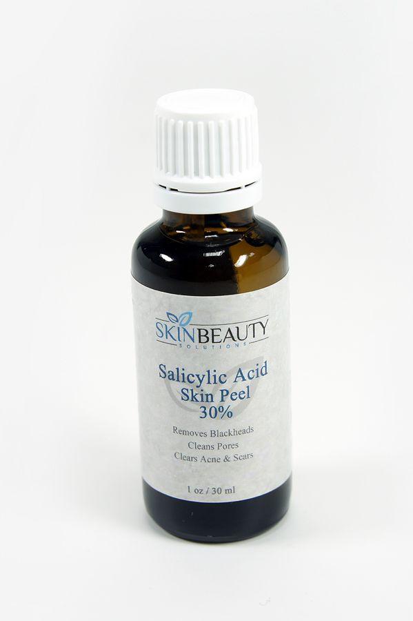 Салициловый пилинг (salicylic peel) -  Часто салициловую кислоту используют как вспомогательную транспортную систему. Однако и сама по себе салициловая кислота может использоваться как самостоятельный ингредиент. Она эффективна в борьбе с акне, профилактике воспалительных элементов и обладает кератолитическим действием в лечении дерматозов, сопровождающихся гиперкератинизацией (себорейный дерматит, псориаз, ихтиоз, атопический дерматит). Ей присущи следующие эффекты: выравнивает рельеф…