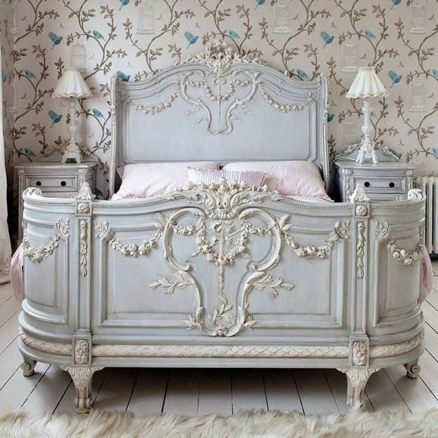 French decorating ideas for classic, elegant and nostalgic bedrooms are comfortable and very popular trends