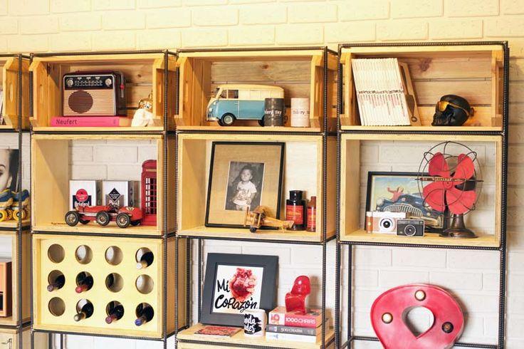 Projeto - Minha Casa (sala e copa)  A estante de vergalhão da sala - Homens da Casa.