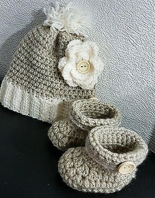 handmade baby chunky hat and booties 6-12 perfect for Christmas gift