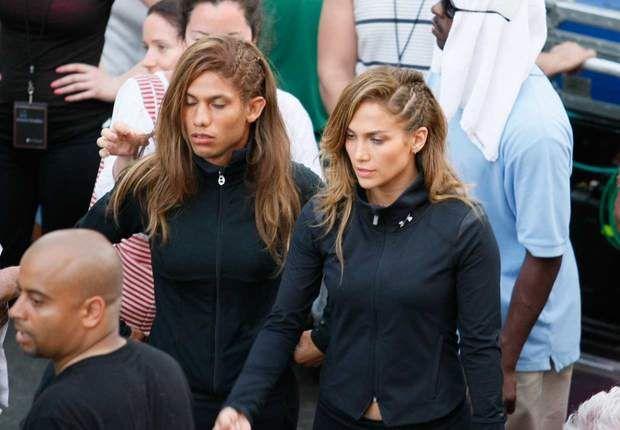 LA PALME D'OR du sosie raté revient à Jennifer Lopez et sa doublure... masculine…