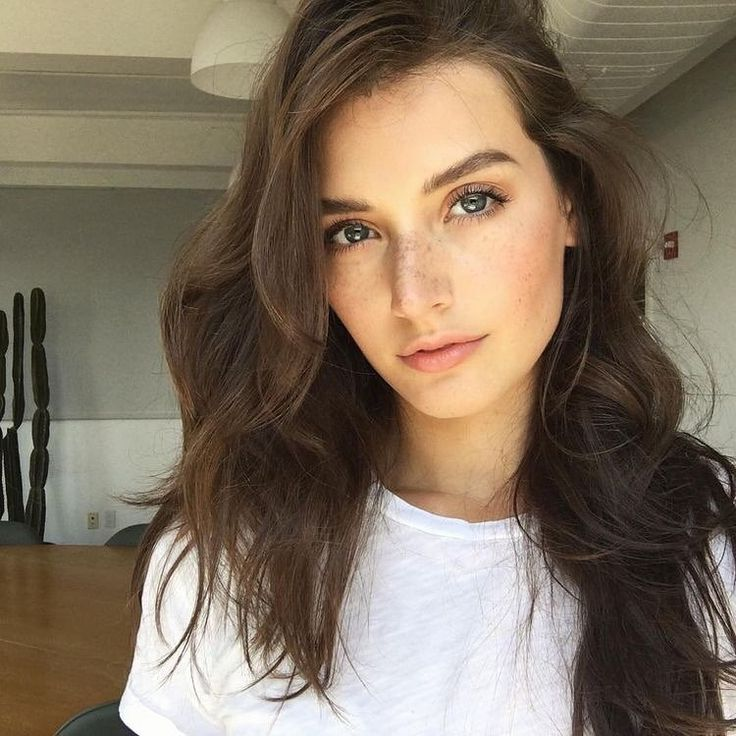 Jessica Clements #fashion #look #looks #beauty #style #face #stylish #girl #lips #hairstyle #haircut #hair #makeup #eyelashes #lashes #brows #brow #cosmetics
