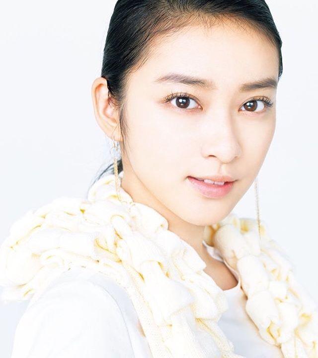 ♛ . . . うつくしいですᐠ( ᐪᐤᐪ )ᐟ♥︎ . . . #武井咲 #emitakei #타케이에미 #女優 #actress #japanese #雑誌 #ビーズアップ