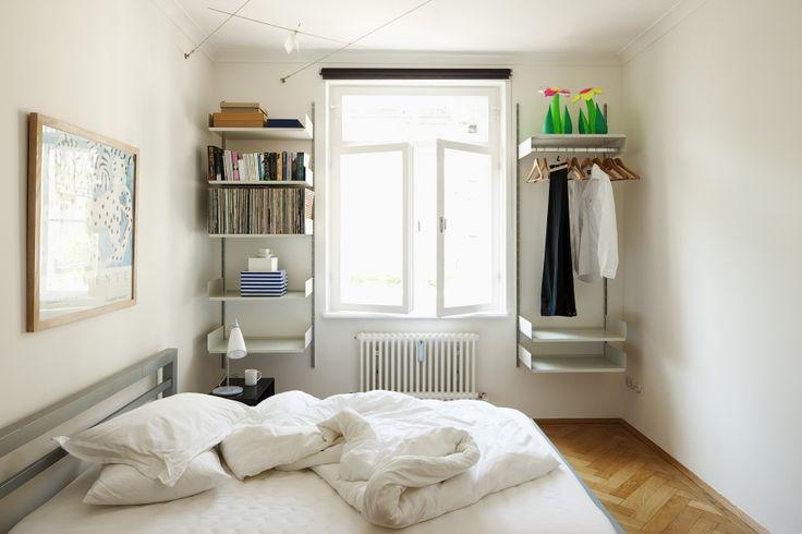 Regal 606 im Schlafzimmer (Vitsœ)