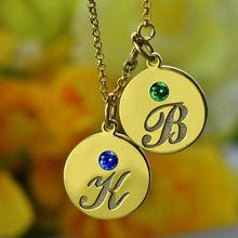 Ryté Děti Name Necklace Gold Personalizované Počáteční náhrdelník disk s kámen Připomeňte maminky Děti Monogram šperky (Čína (pevninská část))