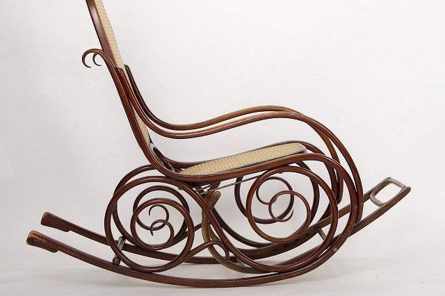 Excited to share the latest addition to my #etsy shop: Rocking Chair from Thonet, 1867 https://etsy.me/2qGvLCi #furniture #brown #artdeco #livingroom #minimalistdesign #retroarmchairs #vintagearmchairs #armchairs #czechfurniture