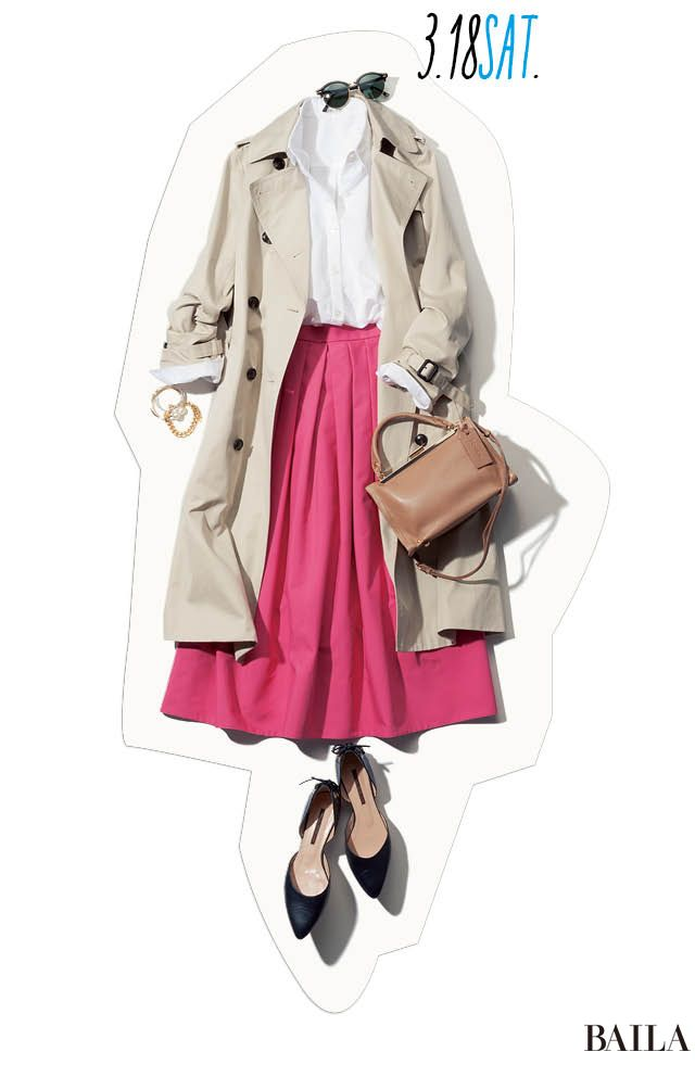 ピンクスカートで遠目にも華やか♡ 春の休日はシャツをフレッシュに-@BAILA