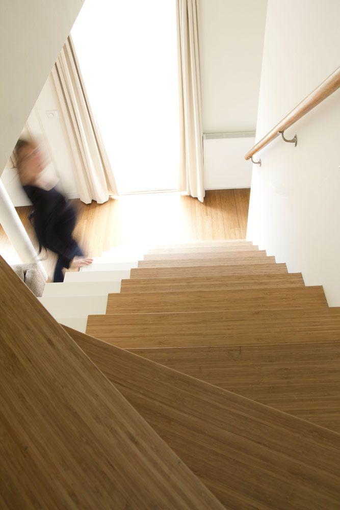 brede trap zonder leuning - loopgedeelte bekleed met bamboe