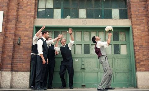 Funny Groomsmen Photos | Wedding Inspiration
