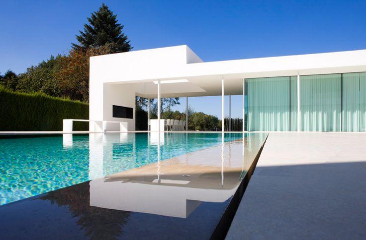 Overloopzwembad, betonnen zwembad, kostprijs buitenzwembad ‹ De Mooiste Zwembaden