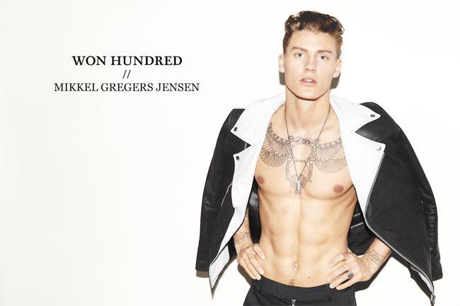 """<p>Top als twee sterken merken samen gaan werken (een model is immers ook een merk).Het Deense modelabel Won Hundred heeft een limited edition collectie in samenwerking met het mannelijke topmodel Mikkel Gregers Jensen gelanceerd. De collectie is een mix tussen hedendaagse streetwear en Rock 'n' Roll invloeden. Op verschillende manier <a href=""""http://www.indepaskamer.nl/wonhundred-mikkel-jensen/#more-"""" """" class=""""more-link"""">more »</a></p>"""