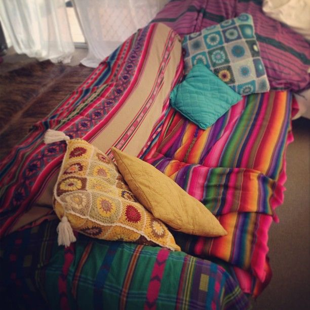 best 25 mexican blankets ideas on pinterest. Black Bedroom Furniture Sets. Home Design Ideas