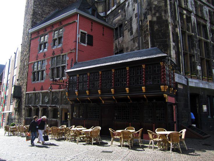 Die Besten Cafs Und Restaurants In Aachen Vom Typischen Reisfladen Ber Cupcakes Zu Rheinischem Sauerbraten Traditionell Chinesischer Kche