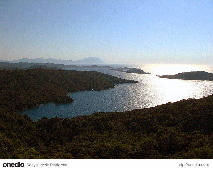 Yedi Adalar - Gökova - Yine karayolu ile ulaşımın olmadığı koylardan birisi. Yolunuz Gökova'ya düştüyse buraya uğramadan gitmek olmaz. Muazzam mercan kayalıkları ile de dalış yapmak isteyenlerin uğrak yerlerinden birisi.