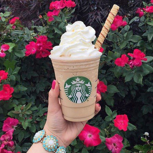I love the cookie straw just the perfect touch to a starbucks frappe