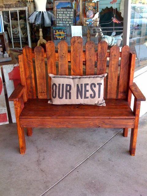 Pallet wood picket fence bench  https://www.facebook.com/LHPalletCreations
