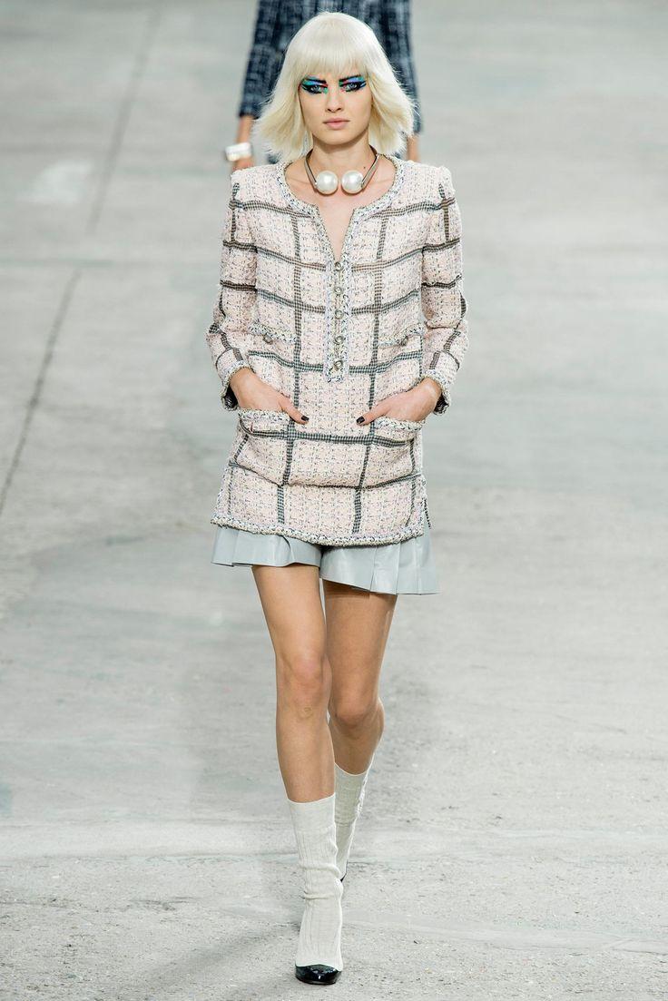 Chanel Spring 2014 Ready-to-Wear Fashion Show - Ji Young Kwak (ELITE)