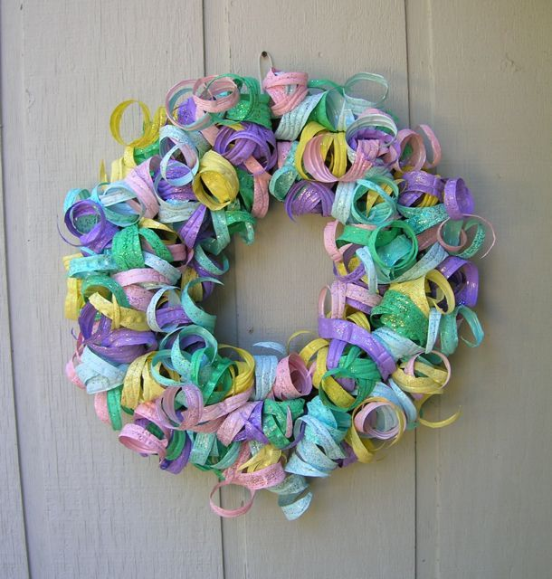 A new take on wreaths out of recycled plasticbottles... - Dale's Blog…