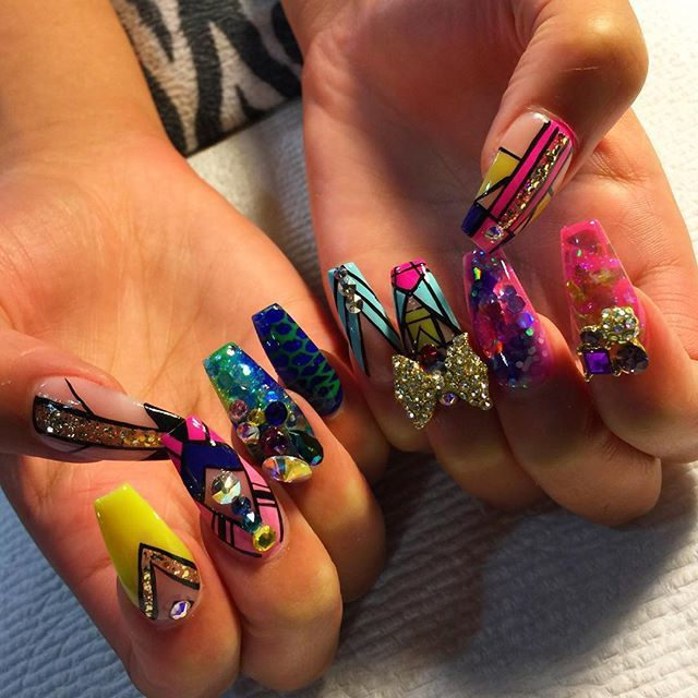 Gorgeous ghetto nails. So wild and fun!