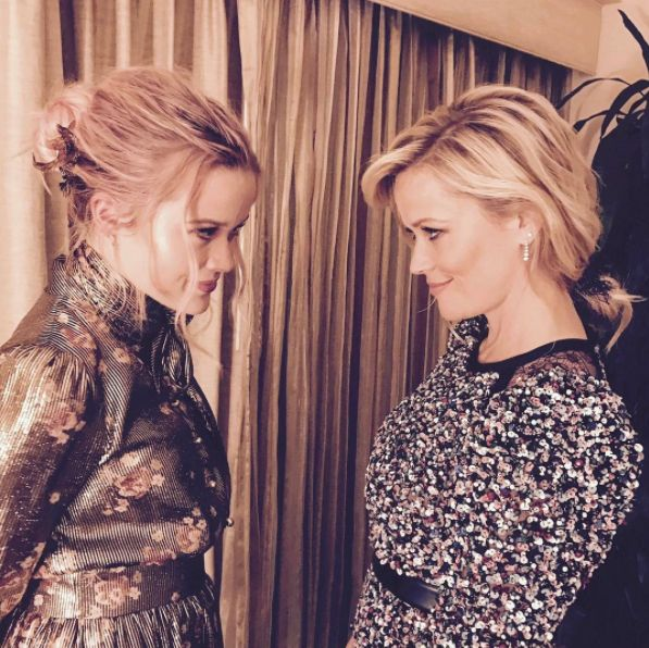 JK THERE IS NO MIRROR. It's actually a picture of Reese looking at her daughter, Ava. | Reese Witherdaughter Is Confusing As Hell