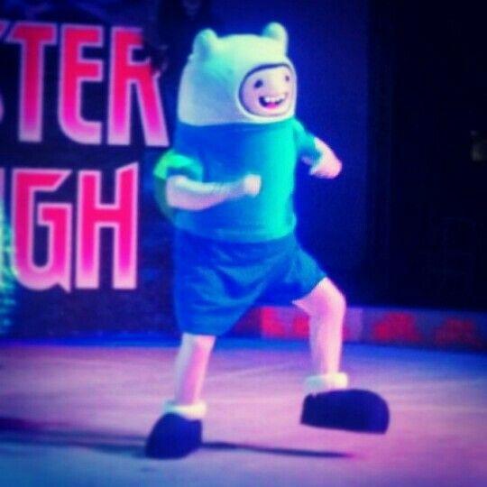 Olha aí mais um dos trabalhos do #MDTeStudio em um Super pocket show!! #Adventuretime #HoraDaAventura #FinnTheHuman #FinnOHumano #PersonagensVivos #Bonecosvivo #Festas #Animação #BonecoVivo #personagemVivo #Mascot #mascote