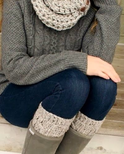 Cozy Fall Outfit With Knit Sweater and Scarf - Fabulous women styles 2013 Fall Outfits for Women 2013 | Alton Gray Recommends