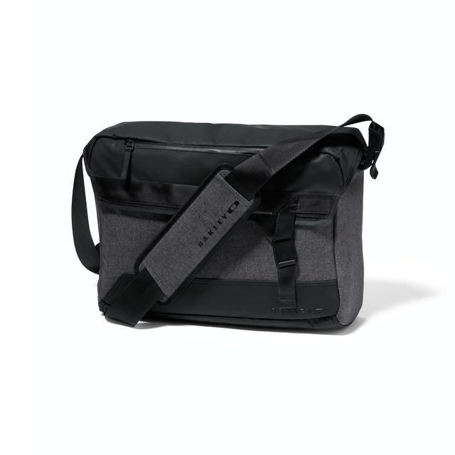 official oakley online store  shop oakley halifax courier messenger bag at the official oakley online store. free shipping and