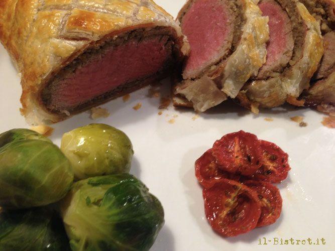 Il filetto alla Wellington è un piatto tipico della cucina inglese, manzo in crosta, molto frequente sulle tavole nel periodo di Natale.