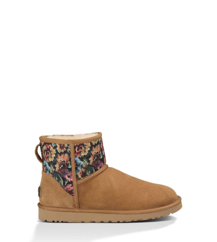 The OFFICIAL UGG® store has the Classic Mini Floral Grunge for Women in the latest colors and styles with FREE Returns & Exchanges. UGGAustralia.com.     Size 9