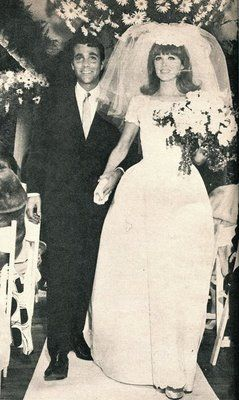 Actress Tina Louise and television talk host Les Crane were married 1966-1974.  They  had one daughter.