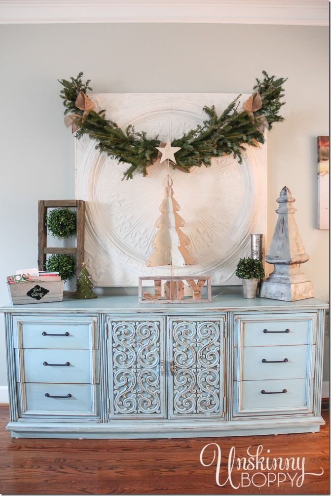TONS of great Christmas decorating ideas inside this post!