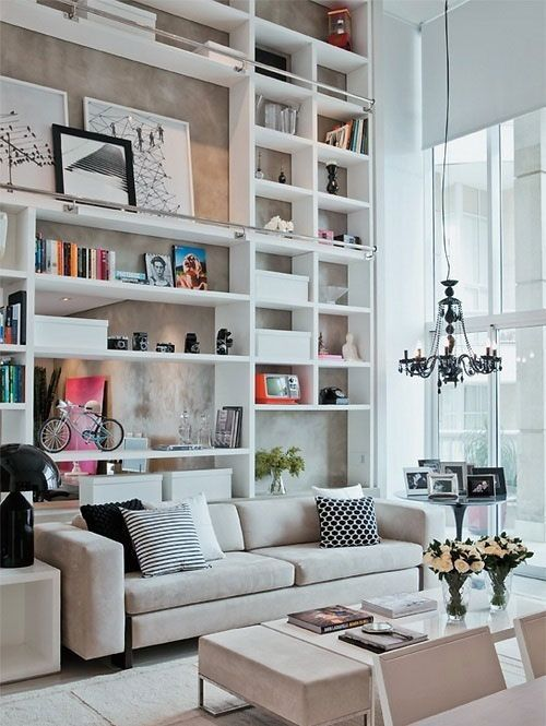 24 Ideas On How To Decorate Tall Walls