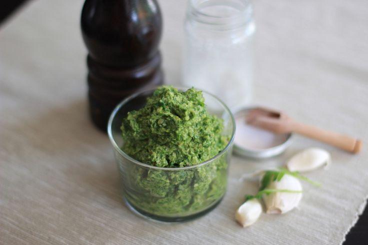 Une recette inratable de Pesto de roquette aux noix au Thermomix sur Yummix • Le blog dédié au Thermomix !