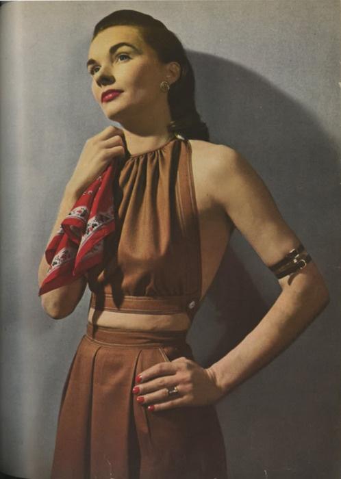 Photo by Louise Dahl-Wolfe for Harper's Bazaar, 1944.