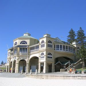 Cottesloe was home to Australian Prime Minister John Curtin.  Book Unique Hotels up to 70% off clicking on photo. #cottesloehotels